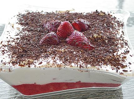 Πανεύκολο γλυκό με φράουλες