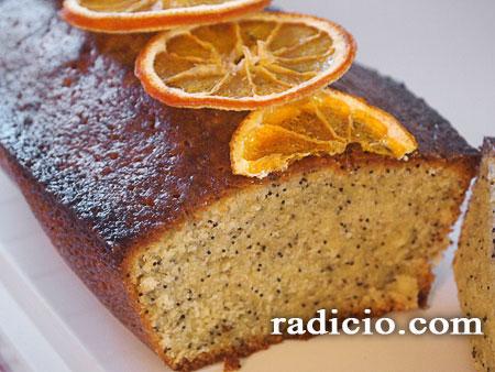 Κέικ με πορτοκάλι και παπαρουνόσπορο