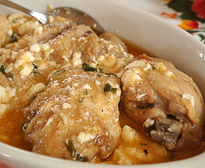 Κοτόπουλο κατσαρόλας με φέτα
