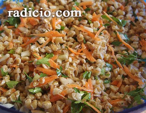 Σαλάτα με σιτάρι και καρότο