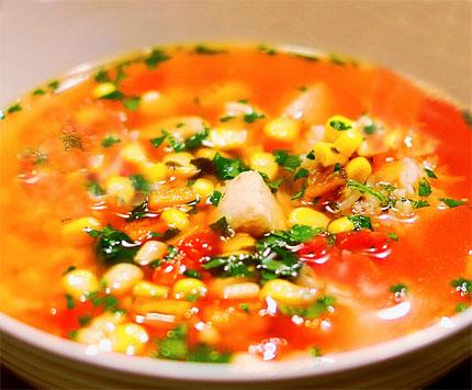 Μεξικάνικη σούπα με κοτόπουλο και λάιμ