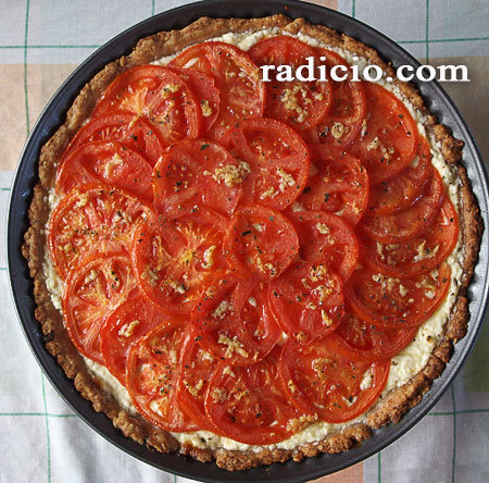 Τάρτα με τυρί και ντομάτα