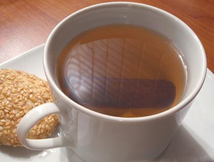 Τσάι με τζίντζερ και κανέλα